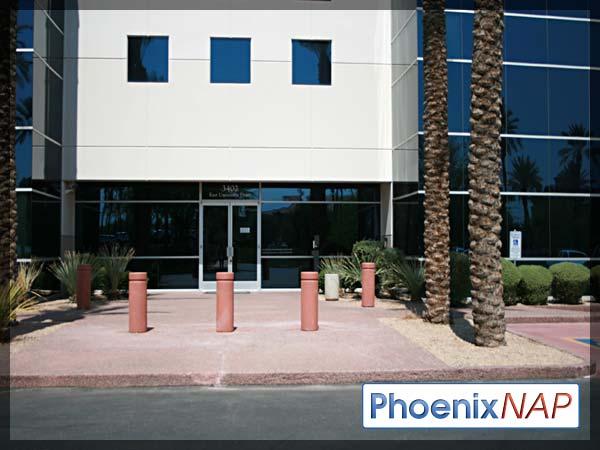 PhoenixNAP-BuildingFront2